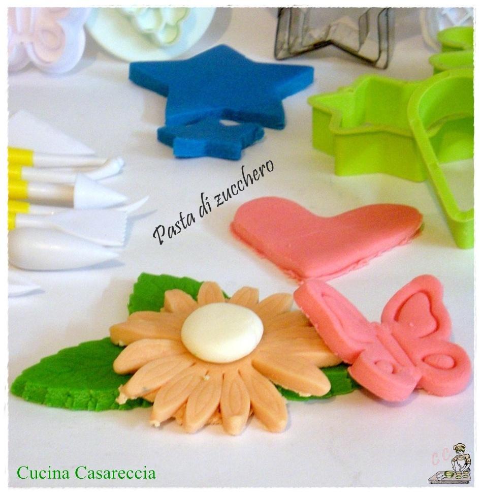 Come preparare la pasta di zucchero in casa cucina casareccia for Come fare i tuoi piani di casa
