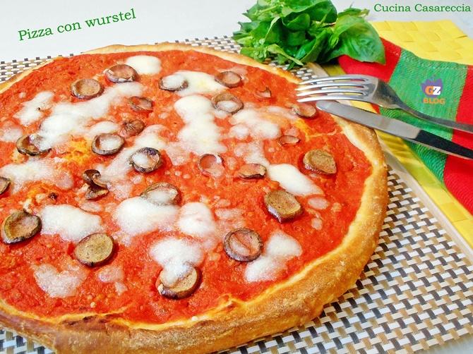 Pizza con wurstel